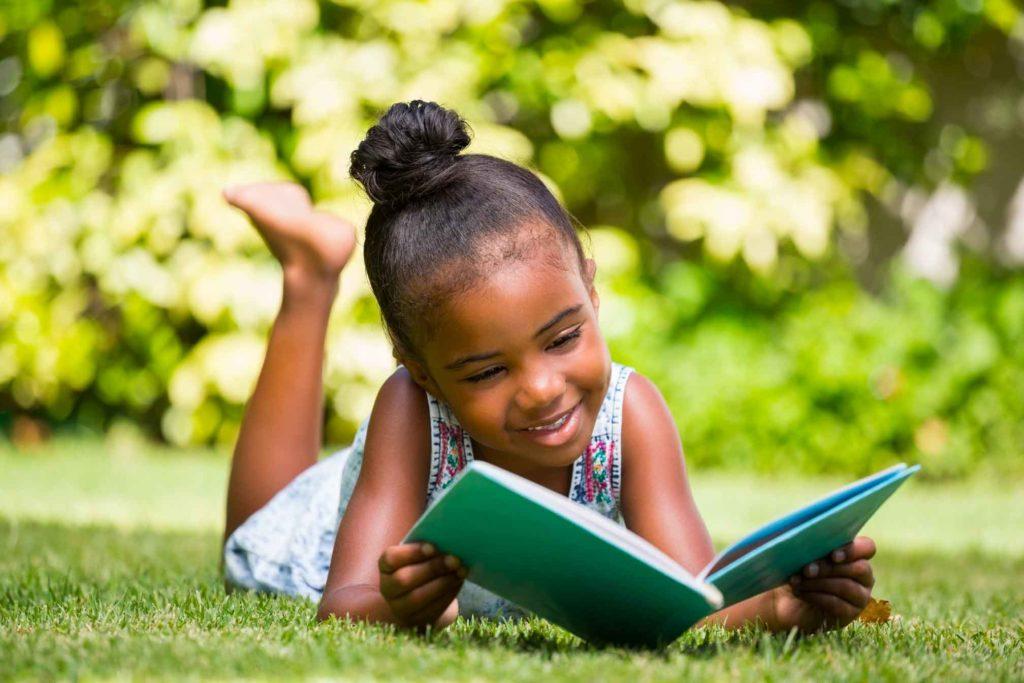 Une sélection de 7 séries de livres jeunesse afro